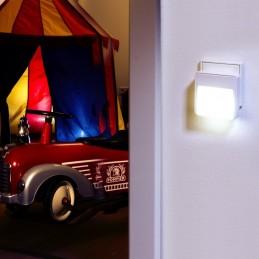 Lampa cu senzor de lumina...